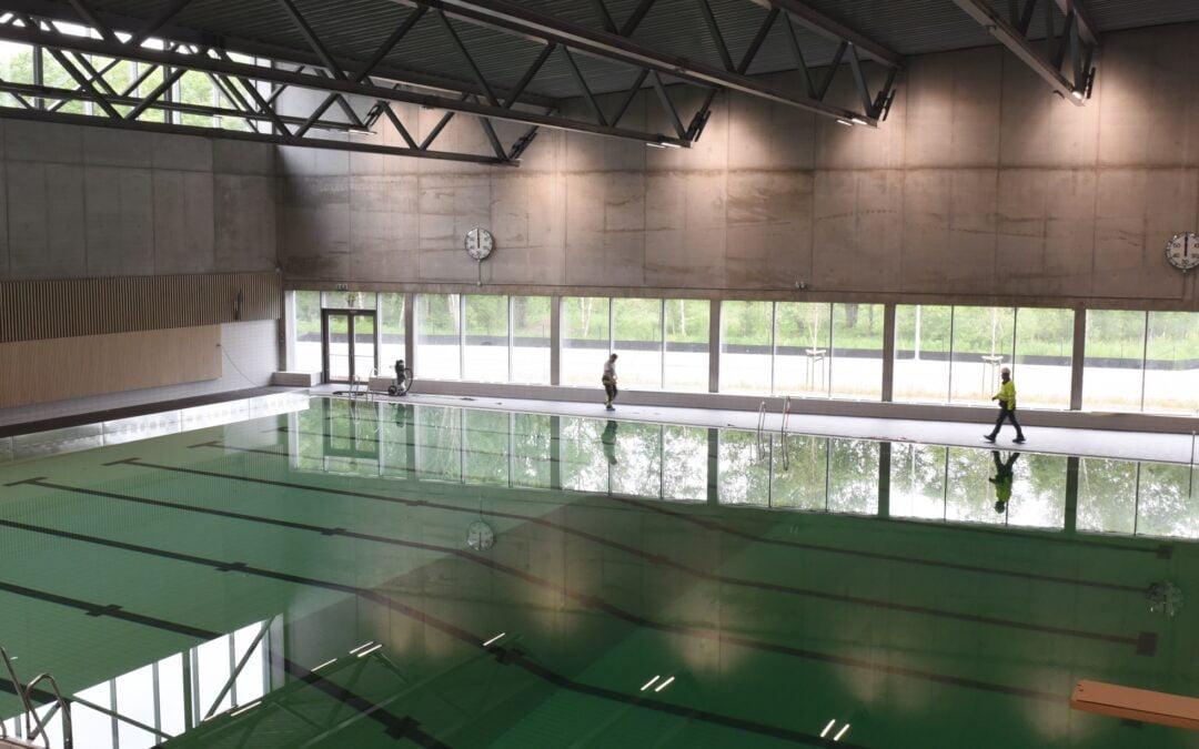 Austrått svømmehall – basseng på basseng
